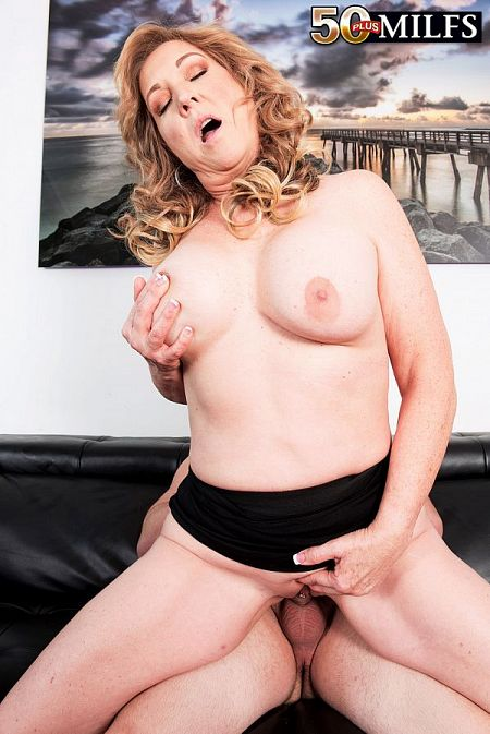 Texas Rose fucks on-camera for the first time