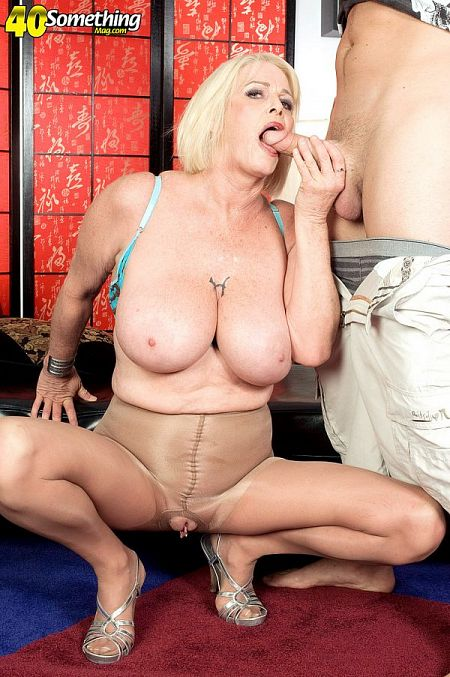 Rose Marie: big-titted XXX MILF