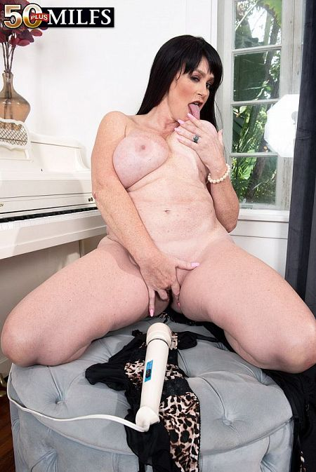 Sherry Stunns cums to 50Plus MILFs