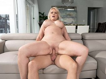 Big-assed Amber's deep-throat and fuck show